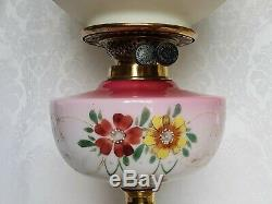 ANTIQUE VICTORIAN OIL Parlor Lamp GWTW Hand Painted ROSES SHADE ELECTRIFIED
