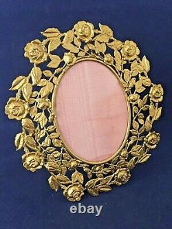 Antique Oval Picture Frame With Gorgeous Border Of Roses