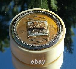 RARE GEORGIAN 18TH CENTURY DIORAMA ROSE SNUFF BOX with a PAINTING INSIDE THE LID