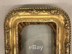 Victorian 19th Century Picture Frame Gesso Roses On Wood 10 X 9 X 1